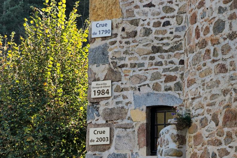 Niveau des crues au château de la Roche