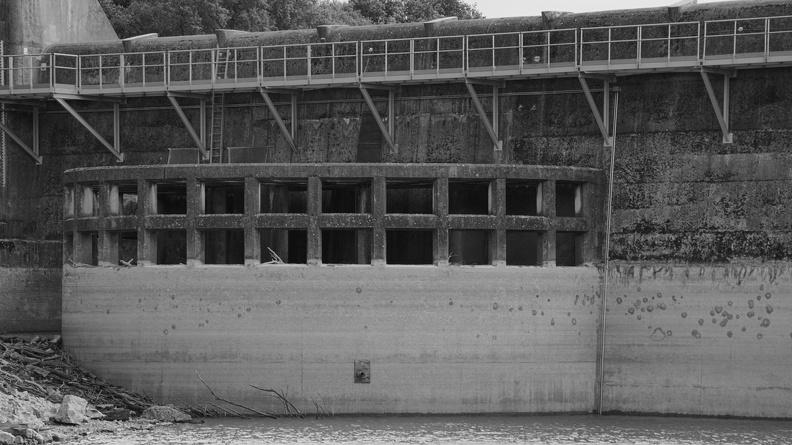 Barrage de la Rouvière (N/B)
