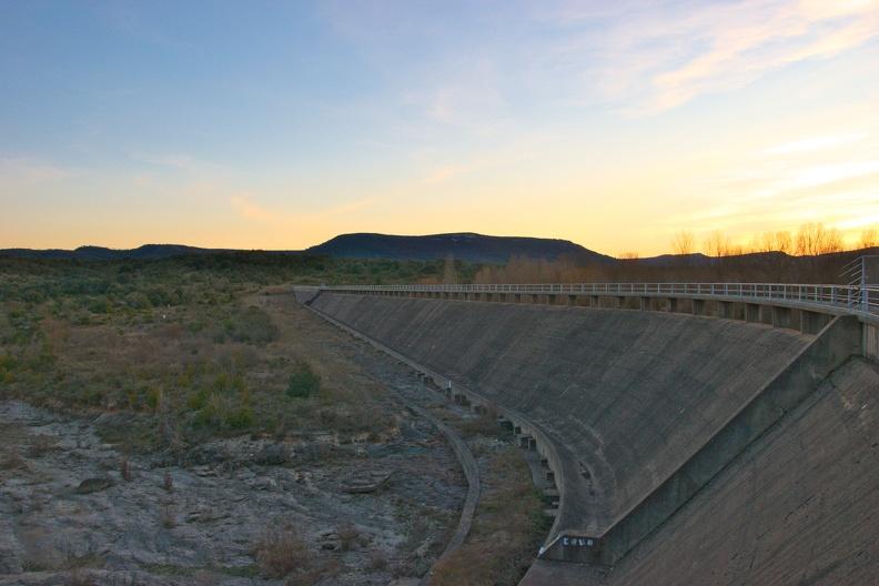 Crépuscule sur le barrage de Ceyrac