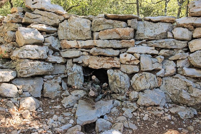 Four à chaux en pierres sèches