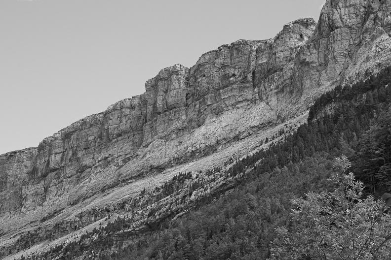 Falaises dans le Parc National d'Ordesa (N/B)