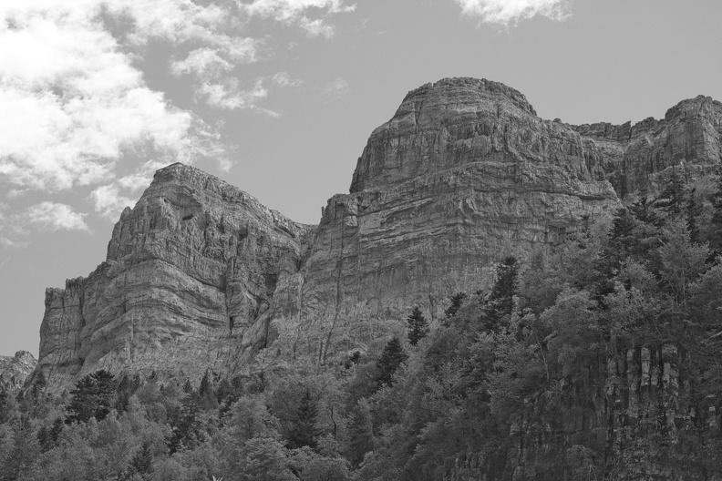 falaises-dans-le-parc-national-dordesa--nb- 37136969751 o