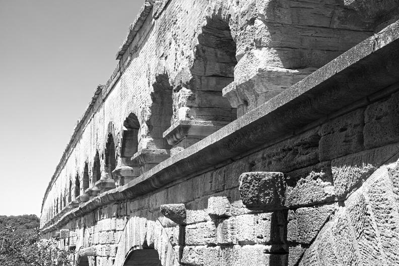 Le Pont du Gard - aqueduc romain de Nîmes (N/B)