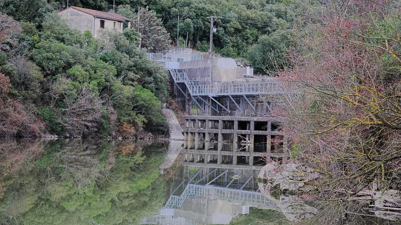 Le barrage de la Rouvière en hiver