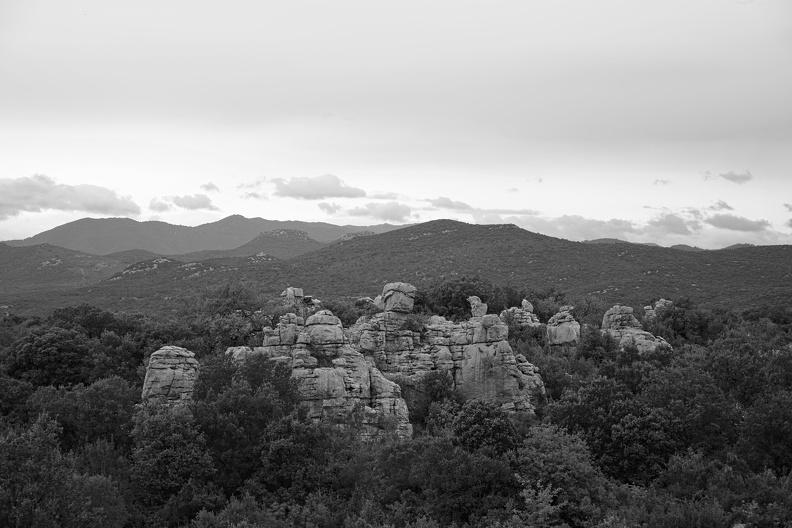 Mer des rochers - vue sur les Cévennes ( NB version )