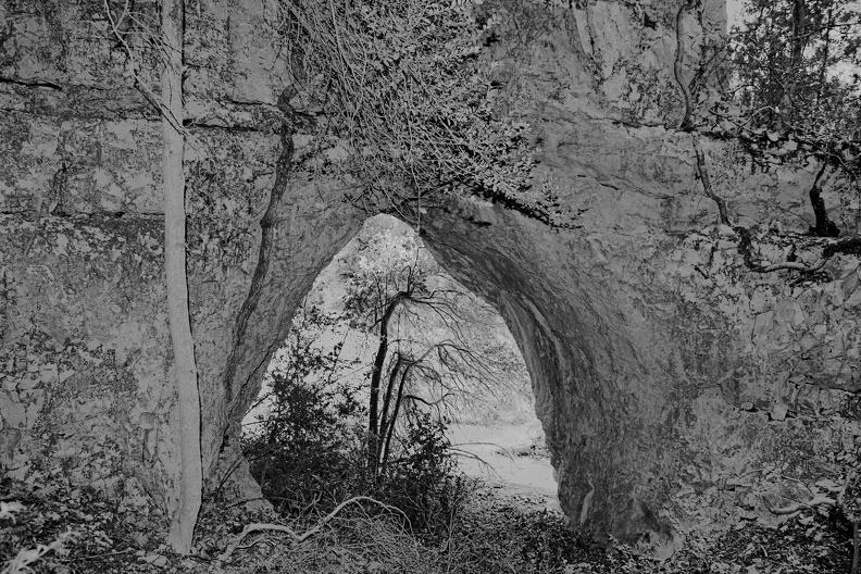 Grotte de Diou Lou Garde ( N/B version )