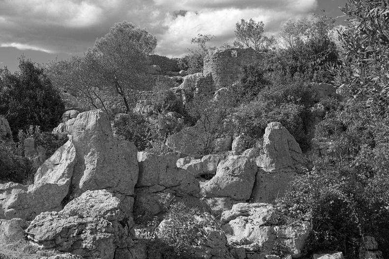 De ruines et de roches ( N/B )