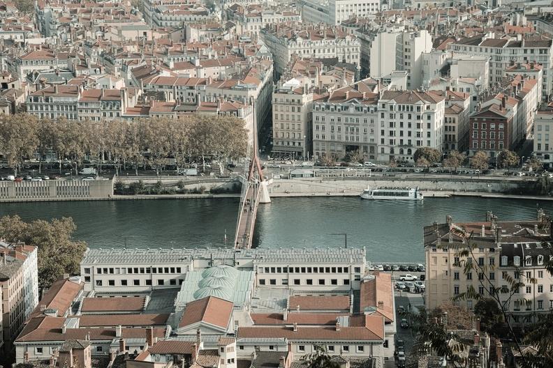 Le Palais de Justice de Lyon et la passerelle (du même nom)