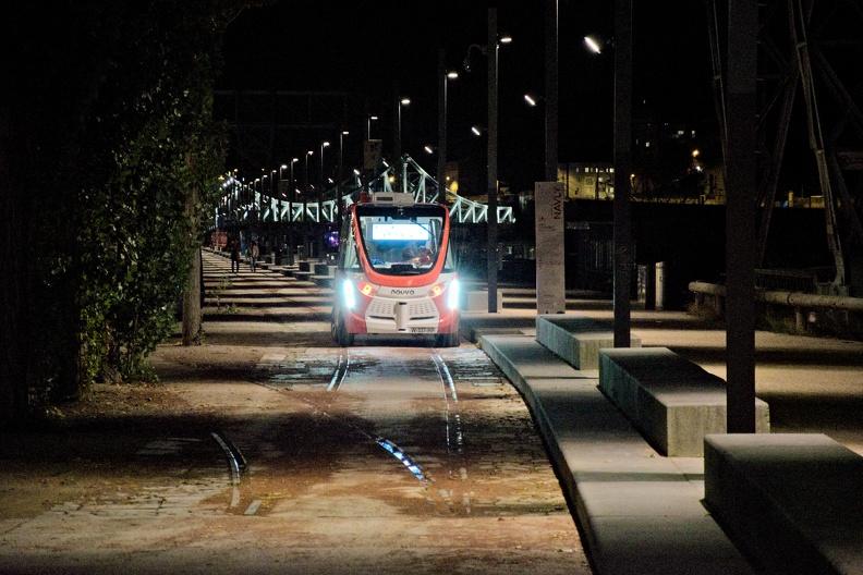 Bus autonome sans chauffeur à Lyon