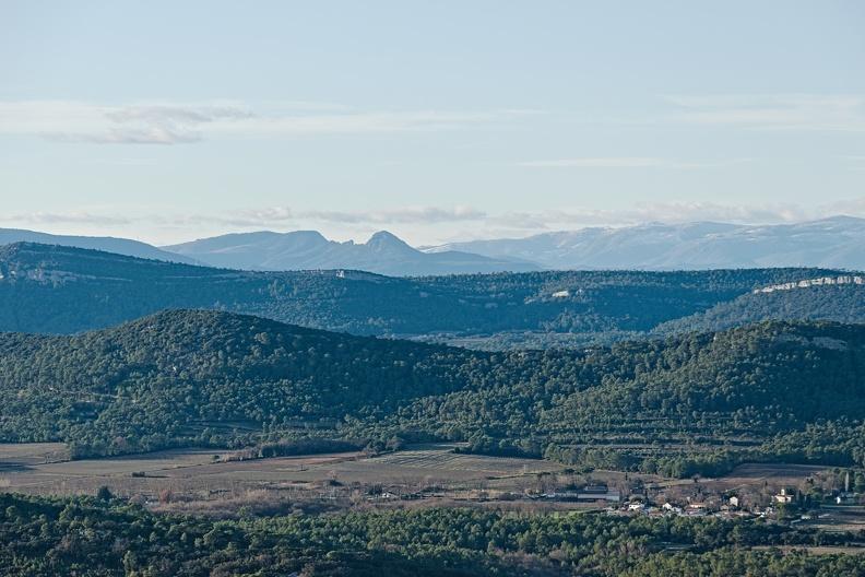 Au centre (au loin) le Pic d'Anjeau