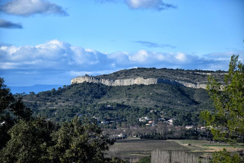 Le Puech des Mourgues depuis le château de Montlaur