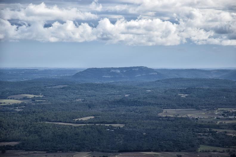 Le Puech des Mourgues depuis le sommet de Quille Merle (406m)